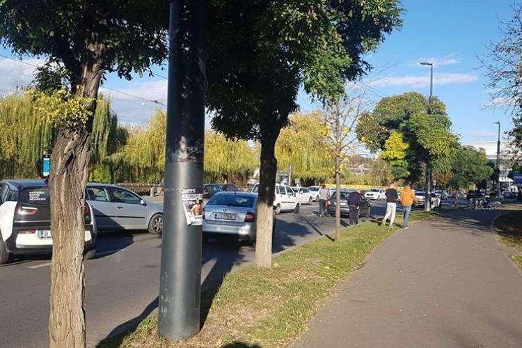 Accident cu trei mașini și SCANDAL la Sala Sporturilor din Cluj - FOTO