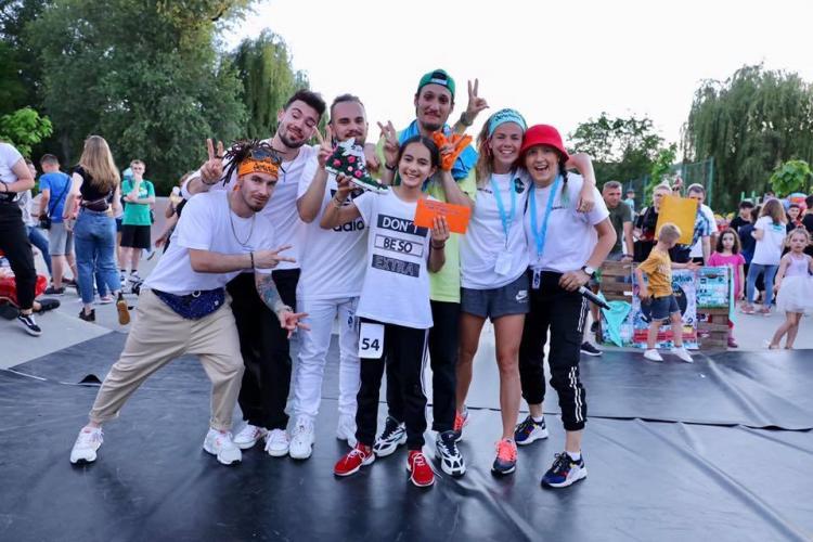 Flashmob cu dansatori la marșul pentru salvarea pădurilor