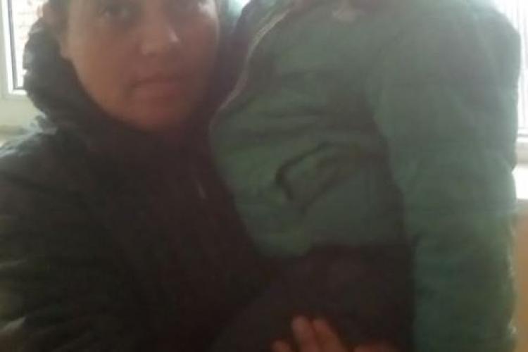 Un bloc întreg din Huedin îngheață și acuză Primăria că a uitat de ei - FOTO