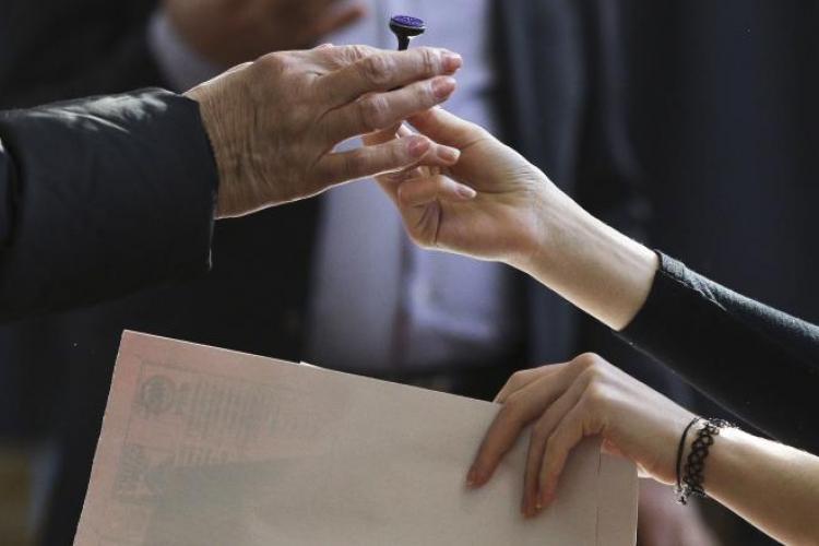 Clujul votează duminică, 10 noiembrie! Nu stați acasă, dacă vă pasă