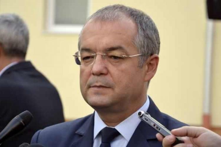 Boc: Dăncilă a reprezentat România în afara țării, dar mai bine stătea acasă. Nu știa în ce țară e