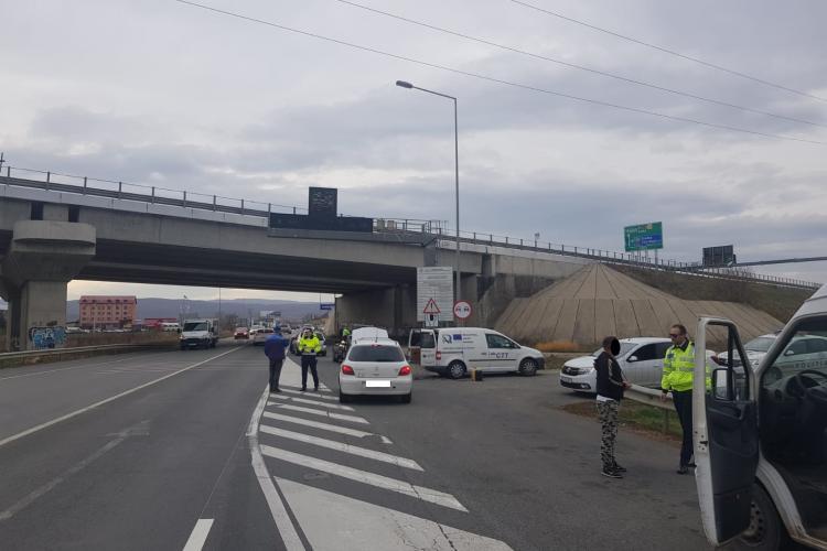 CLUJ: Polițiștii și inspectorii de la RAR au ieșit în controale, în trafic. Mai multe mașini au fost imobilizate FOTO