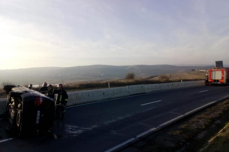 Accident între un TIR și o mașină, pe un drum din Cluj. Două femei au ajuns la spital FOTO
