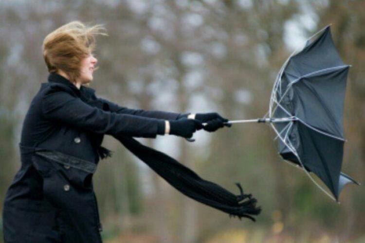 Avertisment de vânt puternic la Cluj! Care sunt zonele afectate