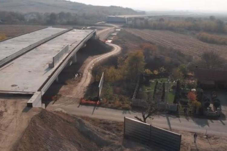 O familie a BLOCAT în instanţă lucrările la Autostrada Sebeş - Turda