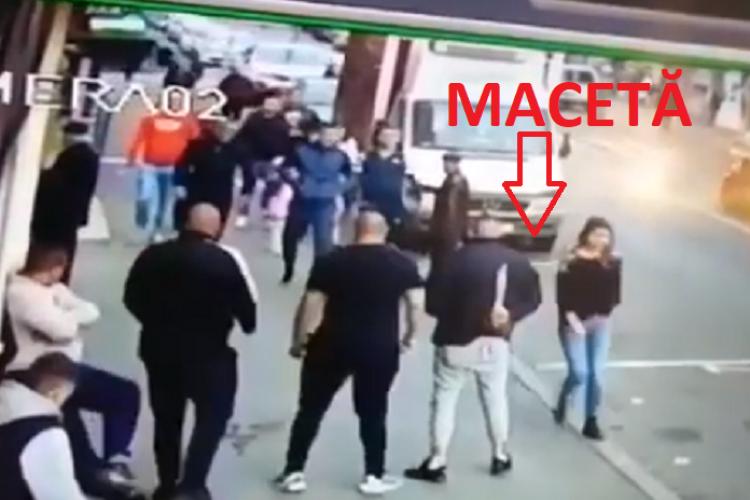 """Huliganii din Mărăști s-au bătut pe Dâmboviței, în """"Groapă"""". Au venit cu macete, lacrimogene și cuțite - VIDEO"""