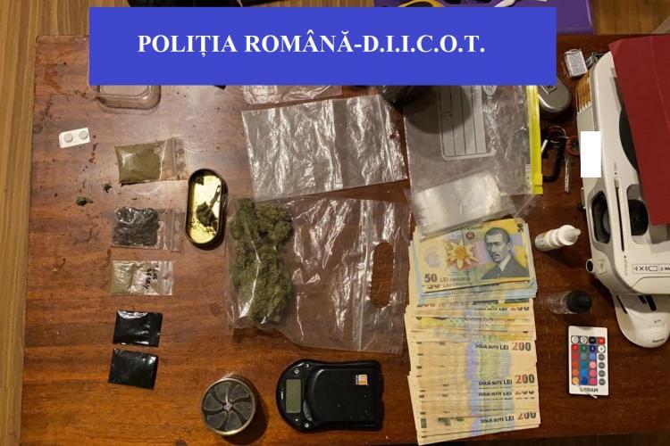 CLUJ-NAPOCA: Traficanți de droguri prinși de polițiști! Încercau să vândă aproape 1 kg de cannabis și pastile de MDMA FOTO
