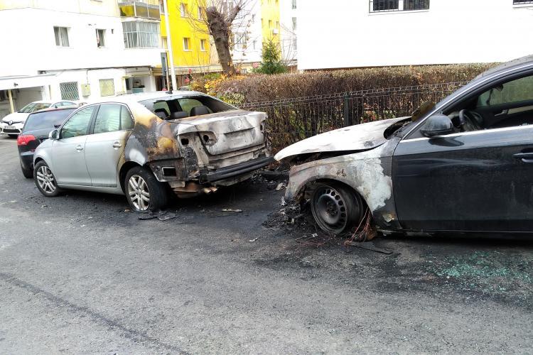 Suspiciuni? Două mașini au luat foc pe strada Luceafărului, din Zorilor - FOTO