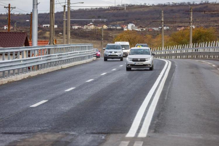 ATENȚIE, ȘOFERI! S-a deschis circulația pe Podul Fabricii, însă doar provizoriu