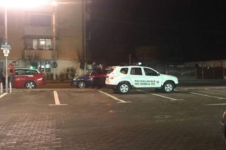 Poliția locală din Gherla parchează cu nesimțire și nu are cine-i amenda - FOTO
