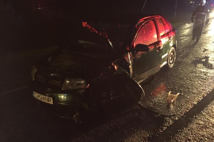 Accident la Ghirișu Român! Un șofer de 73 de ani s-a crezut pilot de raliu - FOTO