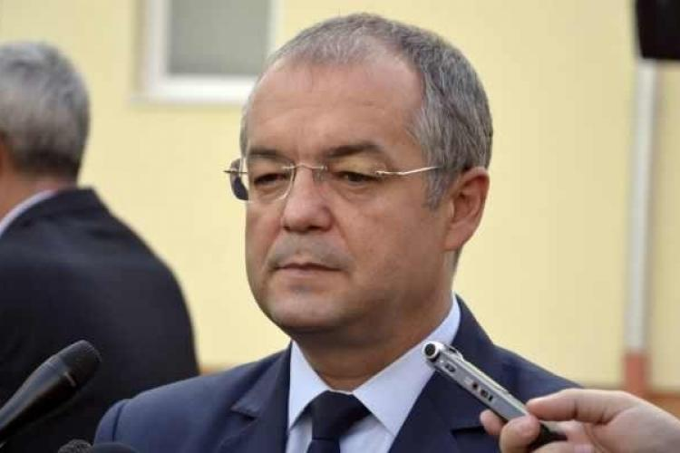 """Emil Boc nu mai tolerează angajații incompetenți: """"Nici corupția nu este atât de dăunătoare ca și amatorismul"""""""