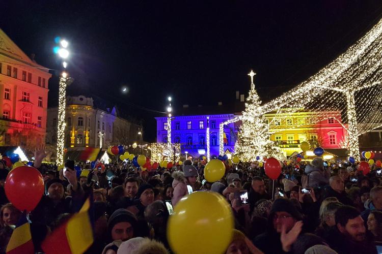 S-a pornit iluminatul de sărbători din Cluj-Napoca -VIDEO
