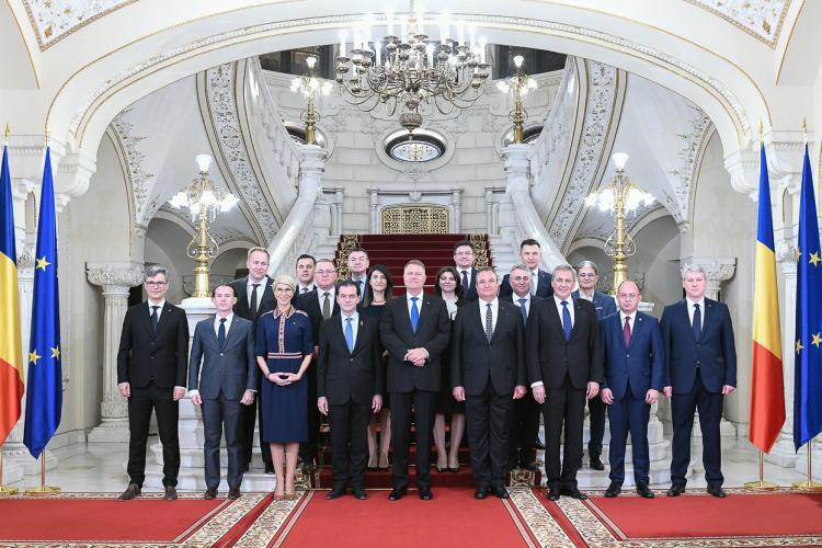 Guvernul Orban a depus jurământul. Clujul are un ministru după mulți ani. Cine este Adrian Oros