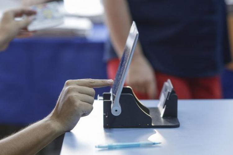 Rezultate parţiale după numărarea a 91,6% din voturi: Iohannis - 36,6%, Dăncilă - 24,3%, Barna - 13,3%