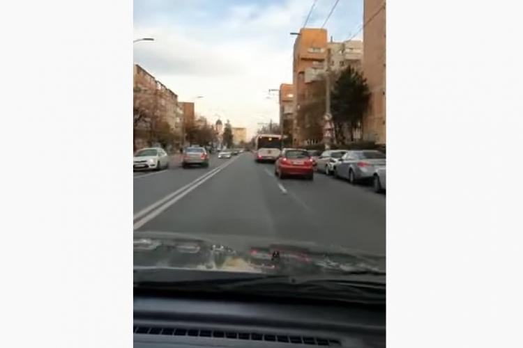 Accident surprins LIVE în Gheorgheni, cauzat de un șofer care mergea pe contrasens VIDEO