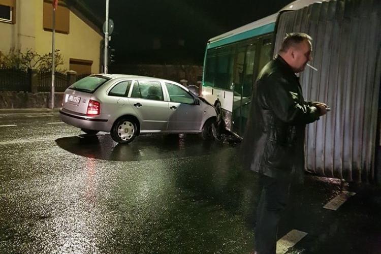 Accident CURIOS în Florești, pe strada Avram Iancu. Cine e de vină? - FOTO