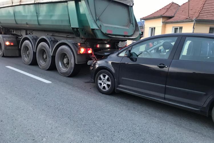 Accident cu trei mașini la Coplean. O persoană a fost rănită FOTO