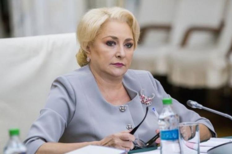 Ce a spus Viorica Dăncilă când a fost întrebată dacă va merge peste Iohannis la dezbaterea de marți