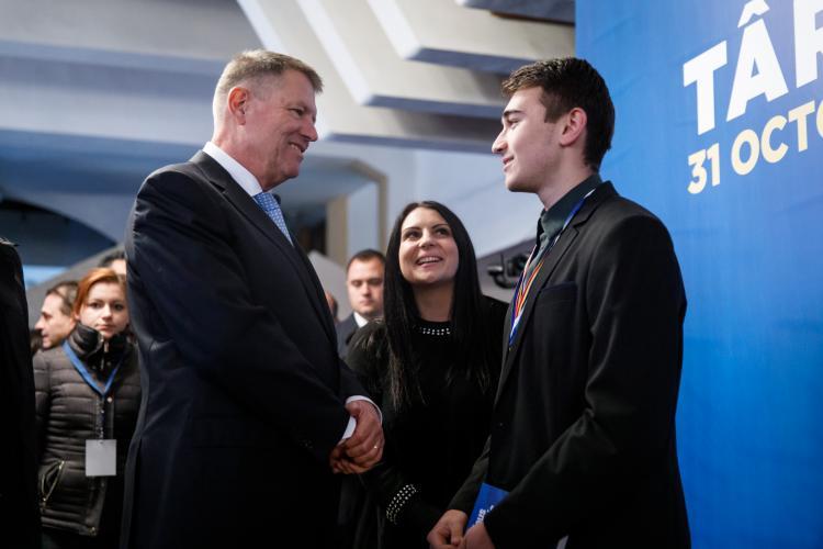 PSD, o piatră de moară legată la gâtul României. Iohannis și PNL vor să pună țara pe picioare (P)