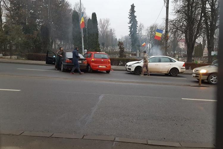 Accident pe Calea Turzii. BMW -ul avea cauciucuri roase până la sârmă - FOTO