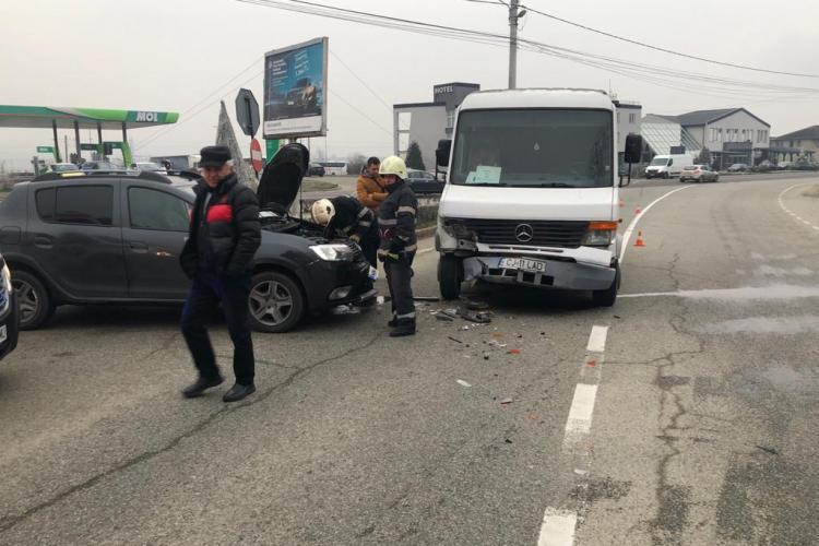 Week-end-ul accidentelor la Cluj? Doua persoane rănite în urma unui accident la ieșire din Dej FOTO
