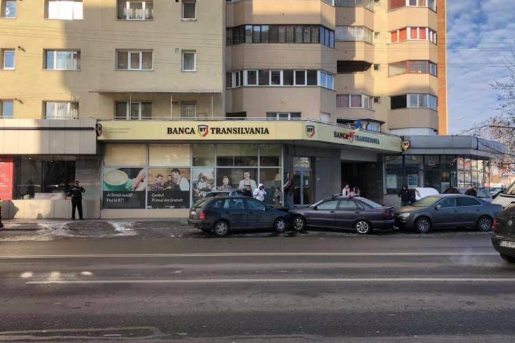 Accident în lanț în Mărăști. O persoană a fost rănită FOTO