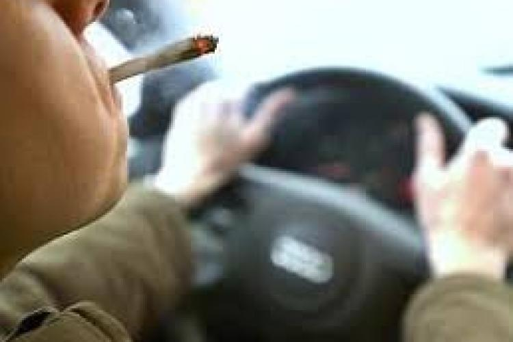 CLUJ: Accident cauzat de un șofer care s-ar fi urcat drogat la volan. S-a ales cu dosar penal