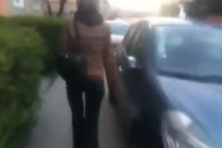 Femeie depistată la Cluj, după ce a zgâriat 9 mașini. Prejudiciul e URIAȘ