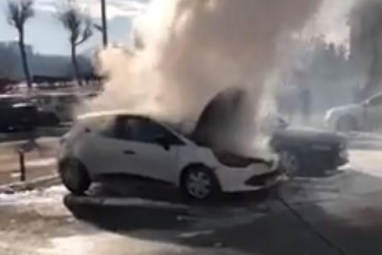 O mașină a luat foc pe strada Fântânele - VIDEO și FOTO