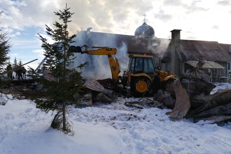 Incendiu la Mănăstirea din Mărișel FOTO / VIDEO