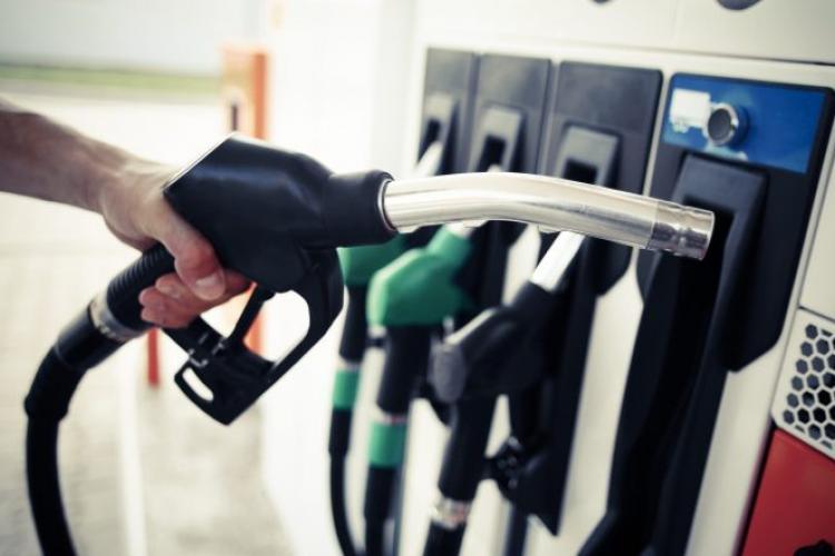 PNL a calculat cu cât scade preţul la carburanţi de la 1 ianuarie