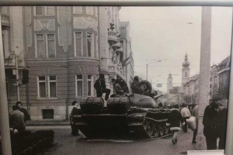 Fotografii nepublicate de la Revoluție, expuse la Turnul Croitorilor / În 21 decembrie , apare un volum unic despre Călin Nemeș