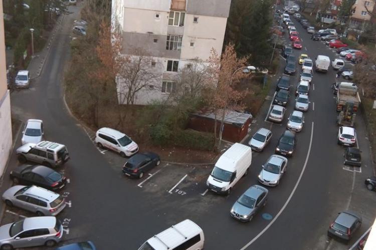 Două troleibuze defecte au blocat tot Mănășturul. Rețelele sociale au luat foc - FOTO