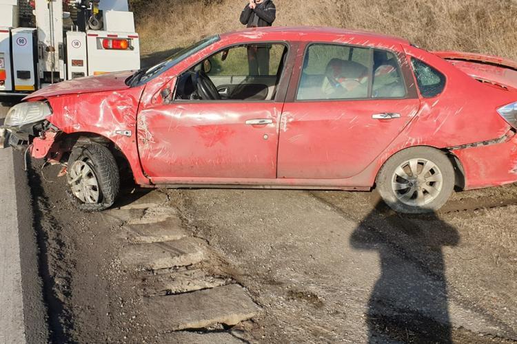 Mașină răsturnată în Vâlcele, după Lukoil - FOTO