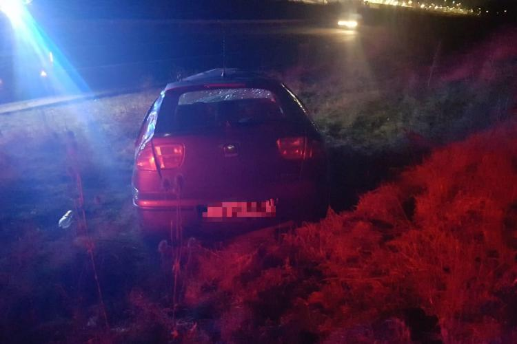 Cluj: O șoferiță de 19 ani a ajuns la spital după ce s-a răsturnat cu mașina FOTO