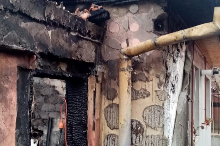 Incendiu la o gospodărie din Gherla FOTO