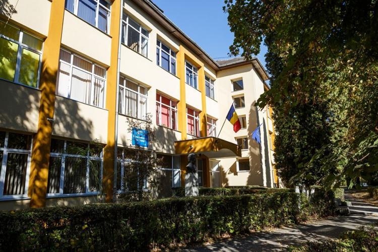 Primăria Cluj-Napoca reabilitează și modernizează două școli din oraș. Se construiesc peste 20 de săli de clasă