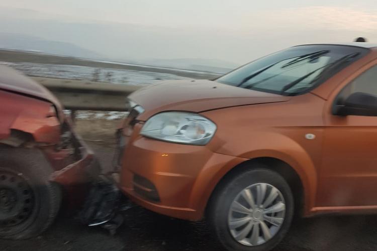 """Accident în lanț pe Centura Apahida: """"Poate se gândește """"cineva"""" să pună o mână de nisip pe drum!"""" - FOTO"""