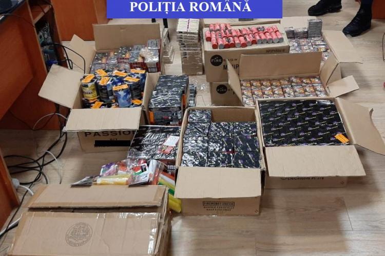 Peste 1,7 tone de petarde și artificii confiscate de polițiști la Cluj FOTO