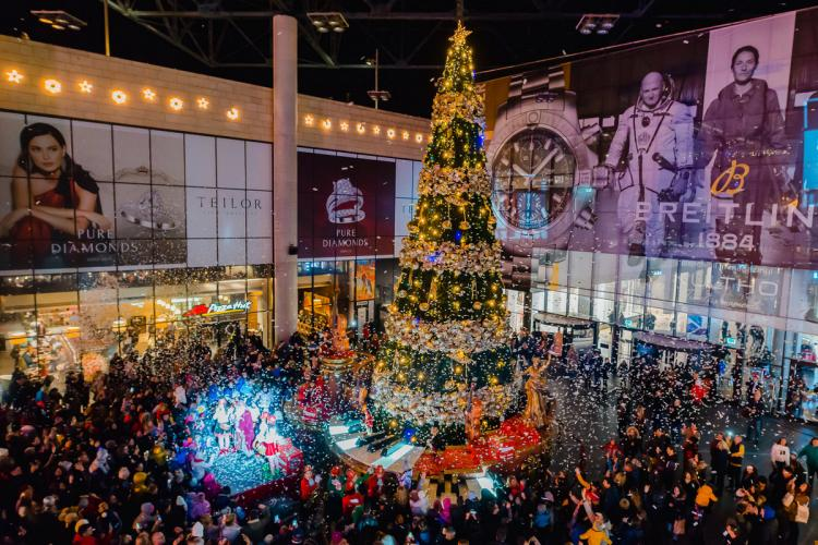 Iulius Mall Cluj va fi deschis în a doua zi de Crăciun și pe 2 ianuarie. Vezi care este programul de sărbători