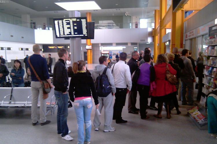 Pasageri blocați în Aeroportul Cluj de joi pentru zborul Wizz Air de la Cluj la Luton