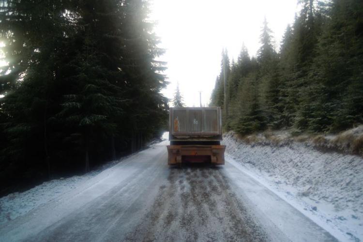 ATENȚIE, șoferi! Autoritățile anunță că este polei pe mai multe drumuri din Cluj
