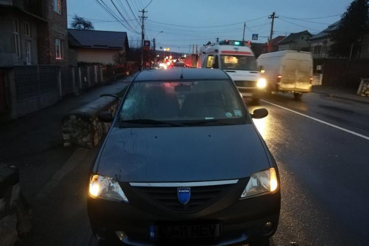 Clujeancă lovită pe trecerea de pietoni, la Turda! A fost rănită grav FOTO