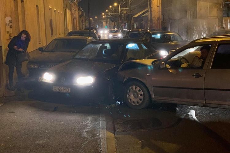 Accident pe strada Gheorghe Lazăr - FOTO