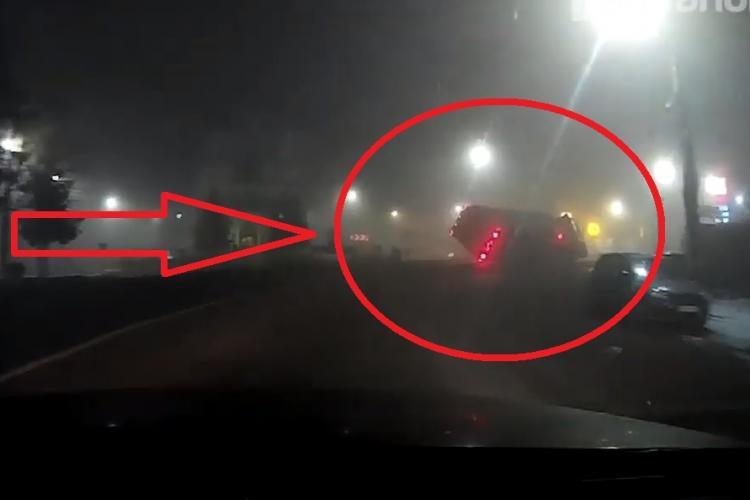 Cum s-a răsturnat TIR -ul cu porci, la Huedin. Momentul a fost filmat de un alt șofer - VIDEO
