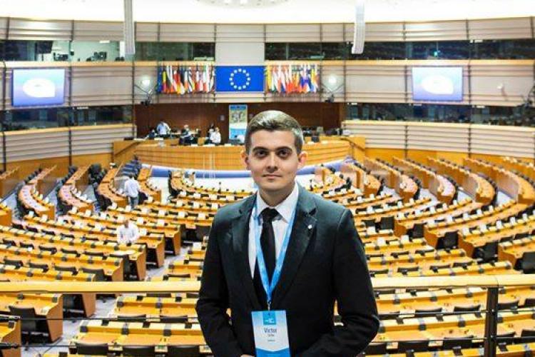Un tânăr român, supraviețuitor de cancer, deschide evenimentul de lansare a Planului european de combatere a cancerului