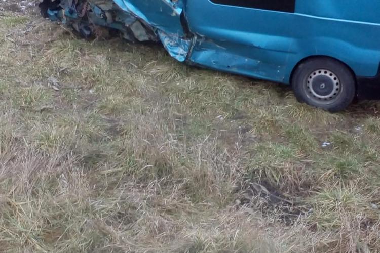 Accident cu o victimă între Gherla și Livada. Un șofer a intrat cu mașina pe contrasens - FOTO