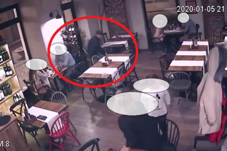 Hoțul filmat în timp ce fura în restaurantul MUURA, din centrul Clujului, prins de polițiști