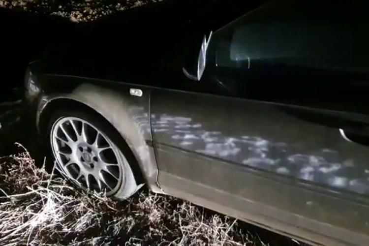 Alt șofer a fugit de poliție în comuna Mihai Viteazu. Polițiștii au tras și acolo cu pistolul - VIDEO